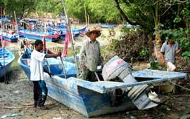 Pulau Betong Post Tsunami Assistance 2004