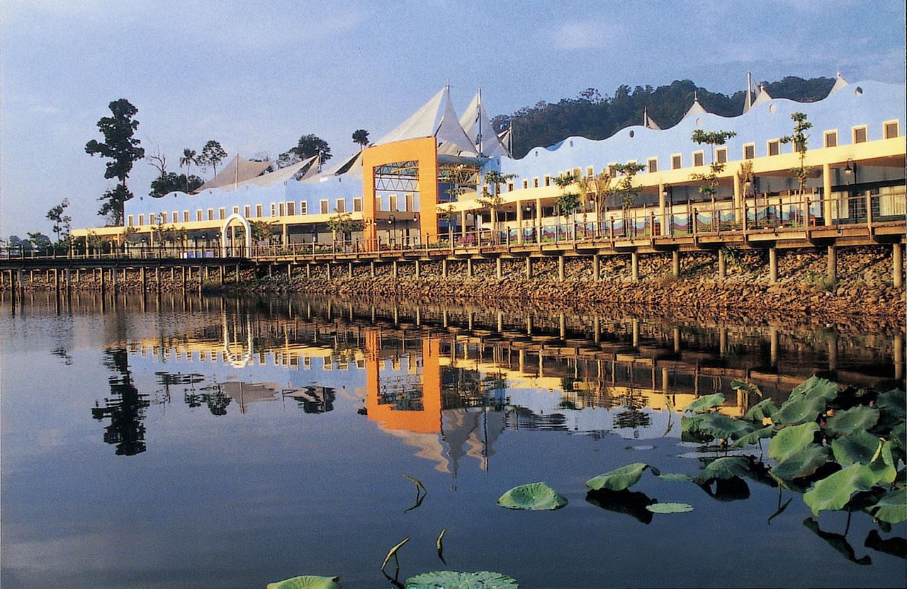 Bukit Merah Laketown Resort 1